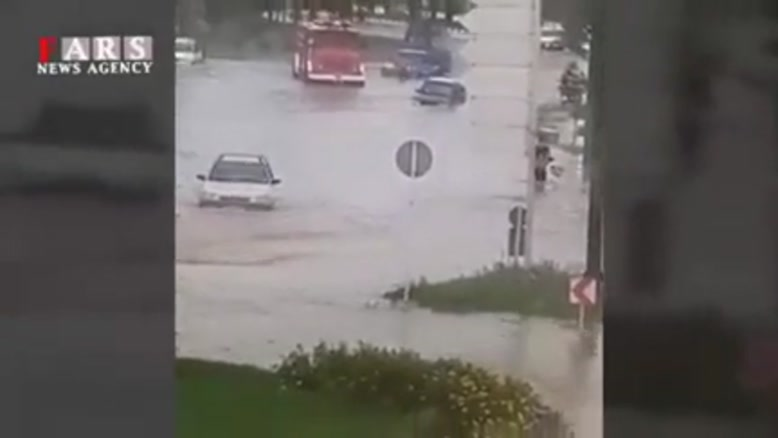 سیلاب در خیابانهای دزفول