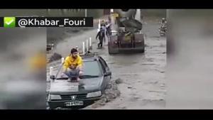تلاش برای نجات راننده گرفتار در سیل طرقبه مشهد