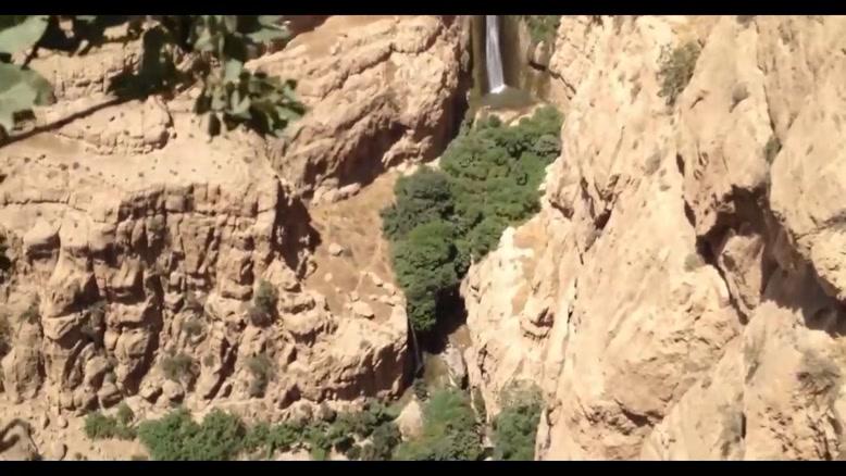آبشار پیران در شهرستان سرپل ذهاب نشان صلابت کرمانشاه است.