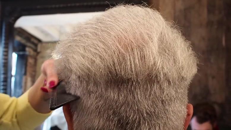 کوتاهی موی پیرمرد