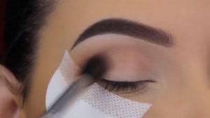 آموزش آرایش چشم _ آموزش میکاپ چشم - زیبایی سنتر