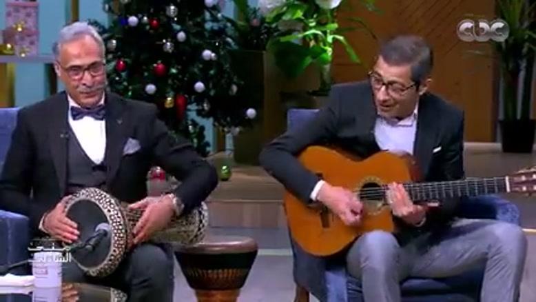 این دو هنرمند هر صدایی که با تمپک مدرمیاد با گیتار اجرا میکنن