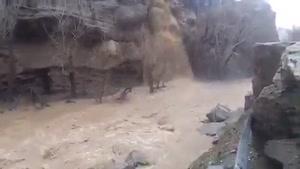 طغیان رودخانه های جاده چالوس و علت بسته شدن جاده چالوس