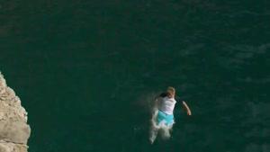 صحنه های فوق العاده از پرش در آب
