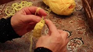 آموزش بافتنی و قلاب بافی (گل ۳ تایی و رج برگشتی) توسط خانم منیژه غفاری