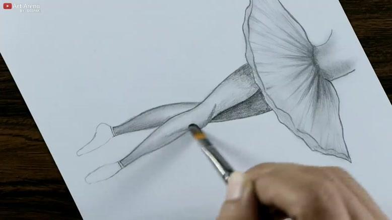 چگونه نقاشی دختری که باله میرقصد را بکشیم؟