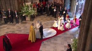 لحظه ورود کیت میدلتون عروس ملکه انگلستان در مراسم عروسی اش