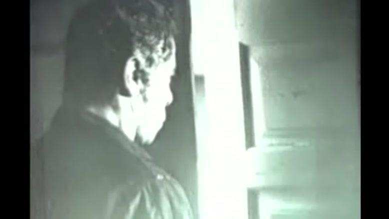 صحنه هایی از فیلم گوزنها با بازی بهروز وثوقی و صدای داریوش اقبالی