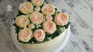تزیین کیک با طرح قلب
