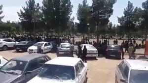 حضور گسترده مردم در مراسم خاکسپاری بهنام صفوی