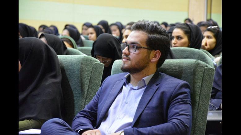 تدریس مبحث انعکاس زردپی زیر زانو توسط محمدرضا اولیایی
