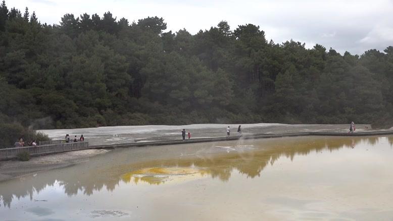 تصاویر دیدنی از چشمه های جوشان  نیوزیلند