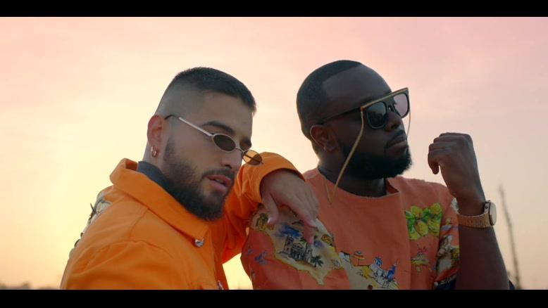 موزیک ویدیو GIMS, Maluma - Hola Señorita
