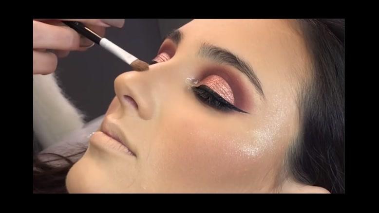 کلیپ میکاپ صورت و چشم با سایه اکلیلی + آرایش مجلسی