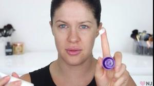 کلیپ روش آماده سازی پوست چرب برای آرایش صورت
