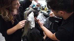 دانلود کلیپ آموزش هایلایت فویلی مو با جدیدترین متد