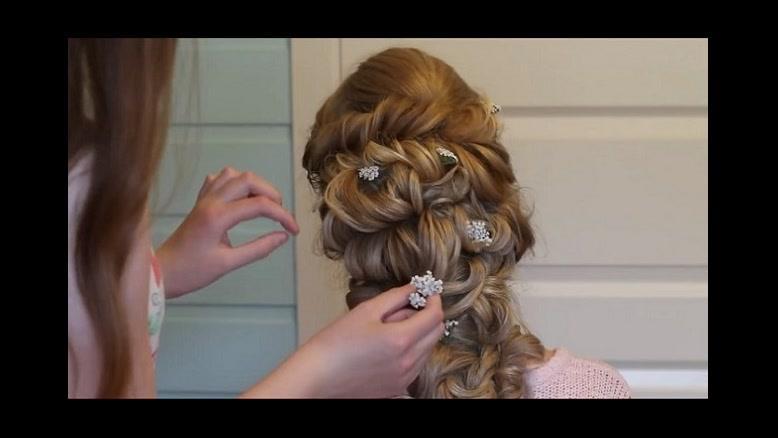 کلیپ آموزش شینیون مو با بافت و پیچ مو + مدل مو باز
