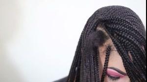 فیلم آموزش  بافت مو آفریقایی با استفاده از  اکستنشن مو