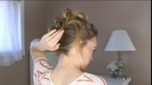 کلیپ آموزش شینیون مو با بافت و گره + خودآرایی مو