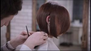 فیلم آموزش کوتاه کردن مو زنانه مدل اسپرت
