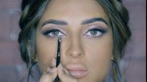 فیلم آموزش آرایش برنزه مناسب مراسم نامزدی