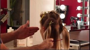 کلیپ آموزش  هایلایت  کردن مو کوتاه