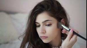 فیلم آموزش آرایش لایت روزانه + میکاپ دخترانه