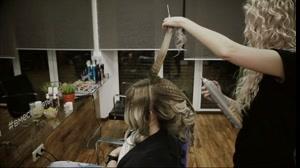 فیلم آموزش شینیون مو پر حجم  + فر مو