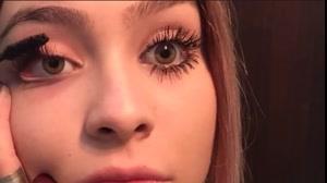 فیلم آموزش نحوه آرایش مژه  + ریمل کشیدن