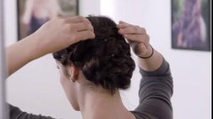 دانلود  فیلم آموزش شینیون با بافت مو به سبک فرانسوی