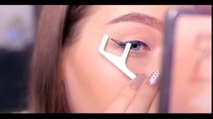 کلیپ آموزش کشیدن خط چشم با ابزار ساده
