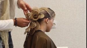 فیلم شینیون مو فوق العاده زیبا مدل گل  + آرایش رزی مو