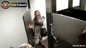 دوربین مخفی الن و جاستین بیبر تو دستشویی واکنش مردم