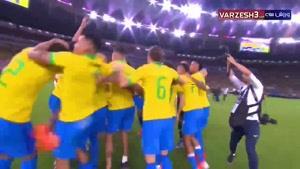 کانال تماشا - خوشحالی بازیکنان برزیل پس از سوت پایان بازی