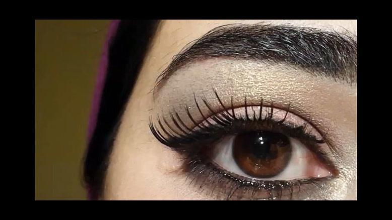 فیلم آموزش آرایش ساده چشم  با سایه براق