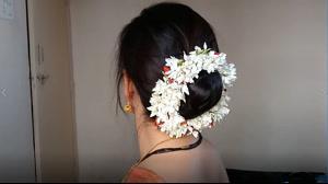 فیلم شینیون مو ساده به سبک هندی + خودآرایی مو