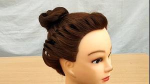 کلیپ  آموزش بافت مو مدل تاج + شینیون مو گوجه ای