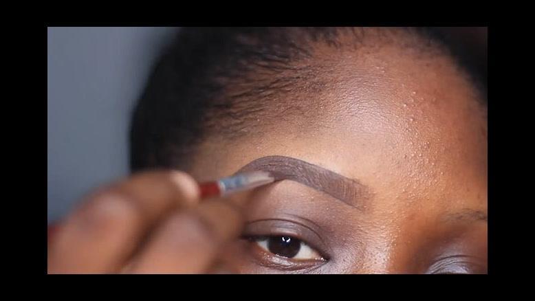 کلیپ آموزش آرایش ابرو  کم پشت به صورت حرفه ای