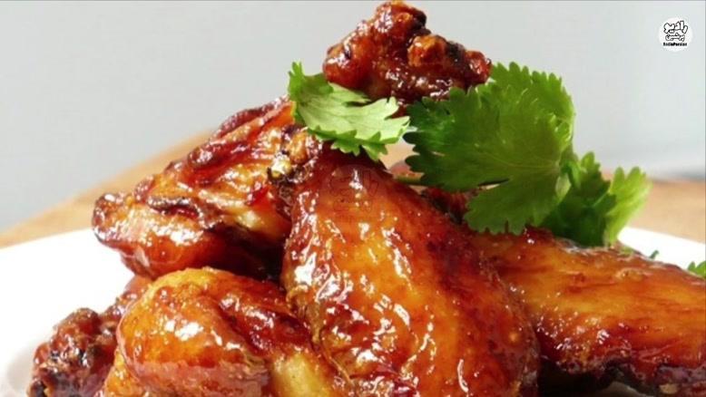 خطرات خوردن بال و گردن مرغ