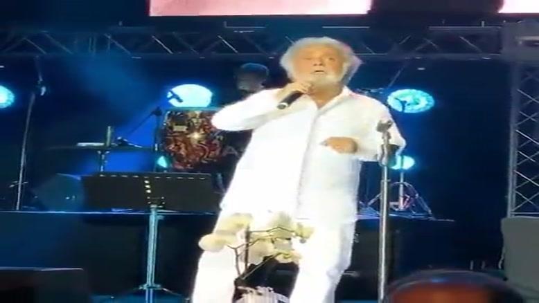 اجرای فریاد زیر آب داریوش در کنسرت استانبول