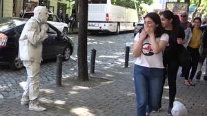 دوربین مخفی خنده دار مجسمه متحرک و ترساندن مردم