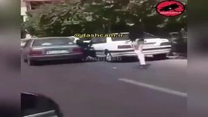 🚨فرار راننده متخلف پس از زیر گرفتن عابر خانم😡
