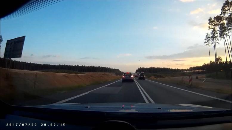مسابقه خیابانی در ترافیک
