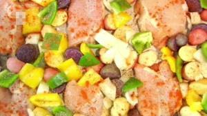 طرز تهیه مخلوط مرغ و سیب زمینی و سبزیجات