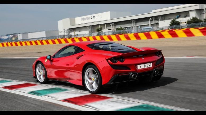 بررسی خودرو Ferrari F8