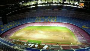 تعویض چمن مصنوعی ورزشگاه اختصاصی بارسلونا - تایم لپس