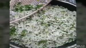 طرز تهیه تهچین سبزی پلو با مرغ