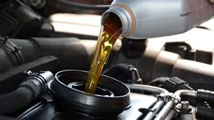 نکاتی در مورد زمان تعویض روغن و قطعات مصرفی خودرو