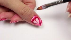آموزش طراحی ناخن قلب مرمری