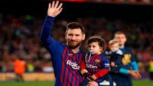 صحنه های زیبایی از فوتبالیست های معروف و فرزندانشان